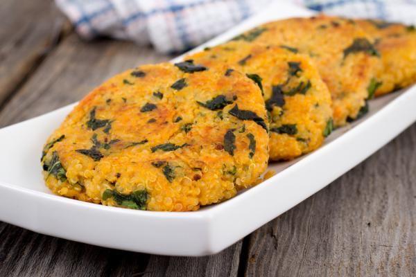 Light quinoa and sweet potato tots أقراص الكينوا والبطاطا الحلوة الخفيفة
