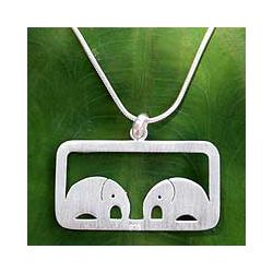 Sterling Silver 'Elephant Love' Necklace (Thailand)