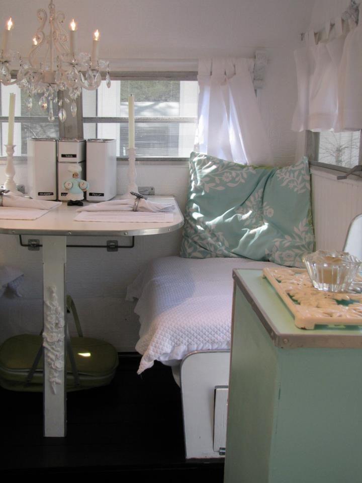 shabby chic scotty dinette wohnwagen pinterest wohnwagen bauwagen und renovierung und. Black Bedroom Furniture Sets. Home Design Ideas