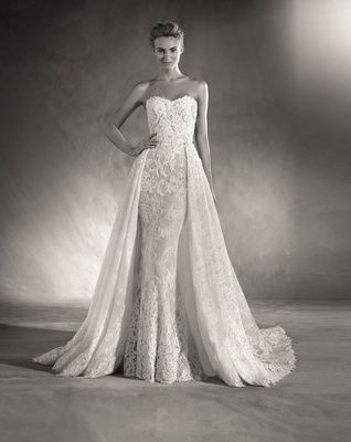 Inside A New Bridal Collection With Clic Modern Details Ovias 2017 Wedding