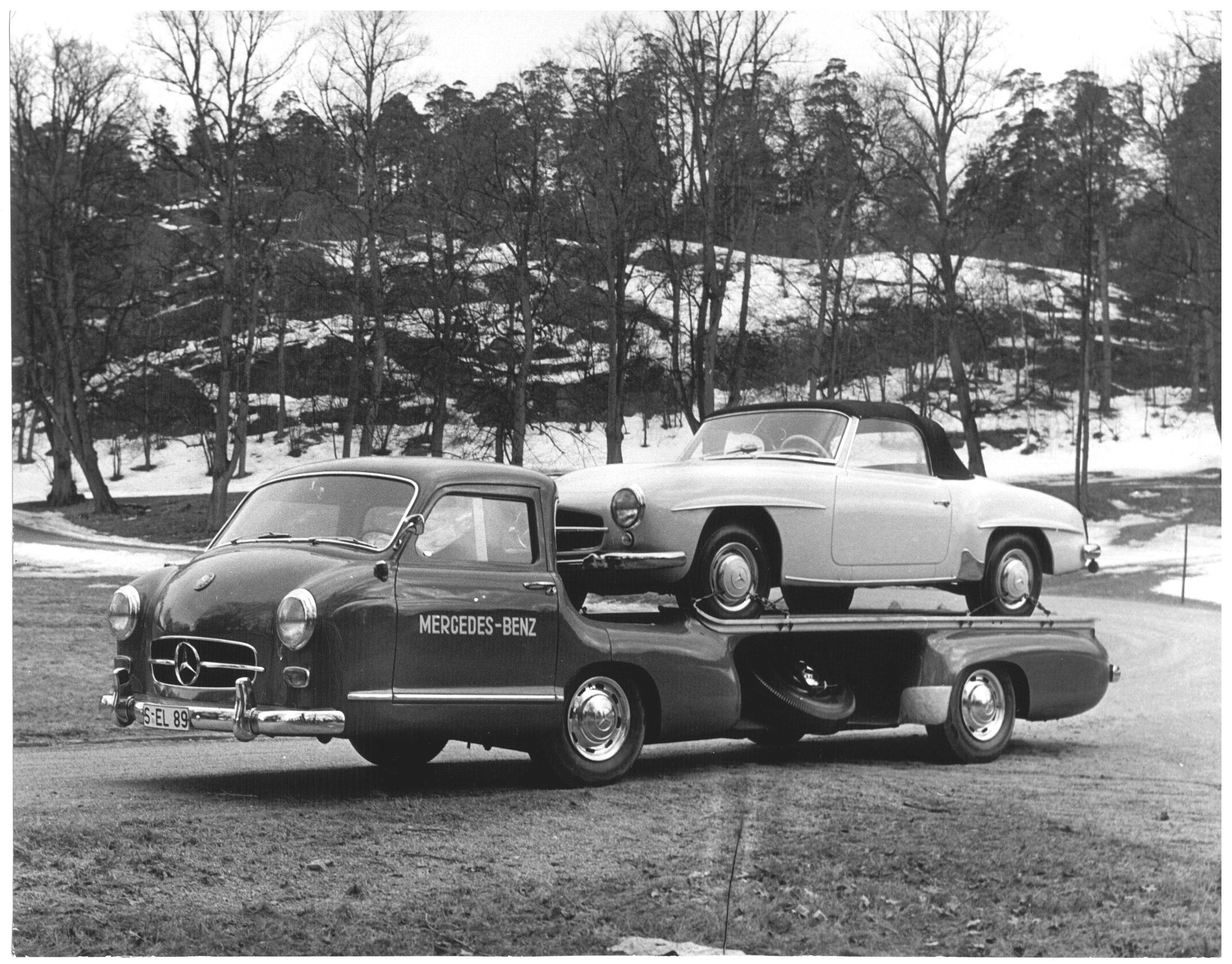 "Mercedes Benz ""Blue Wonder"" racing-car transporter with 190SL"