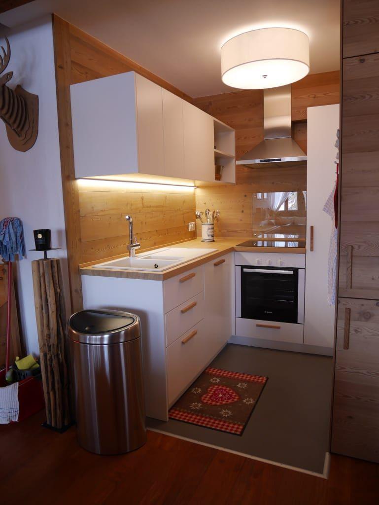 Foto di cucina in stile in stile rustico : cucina – dopo