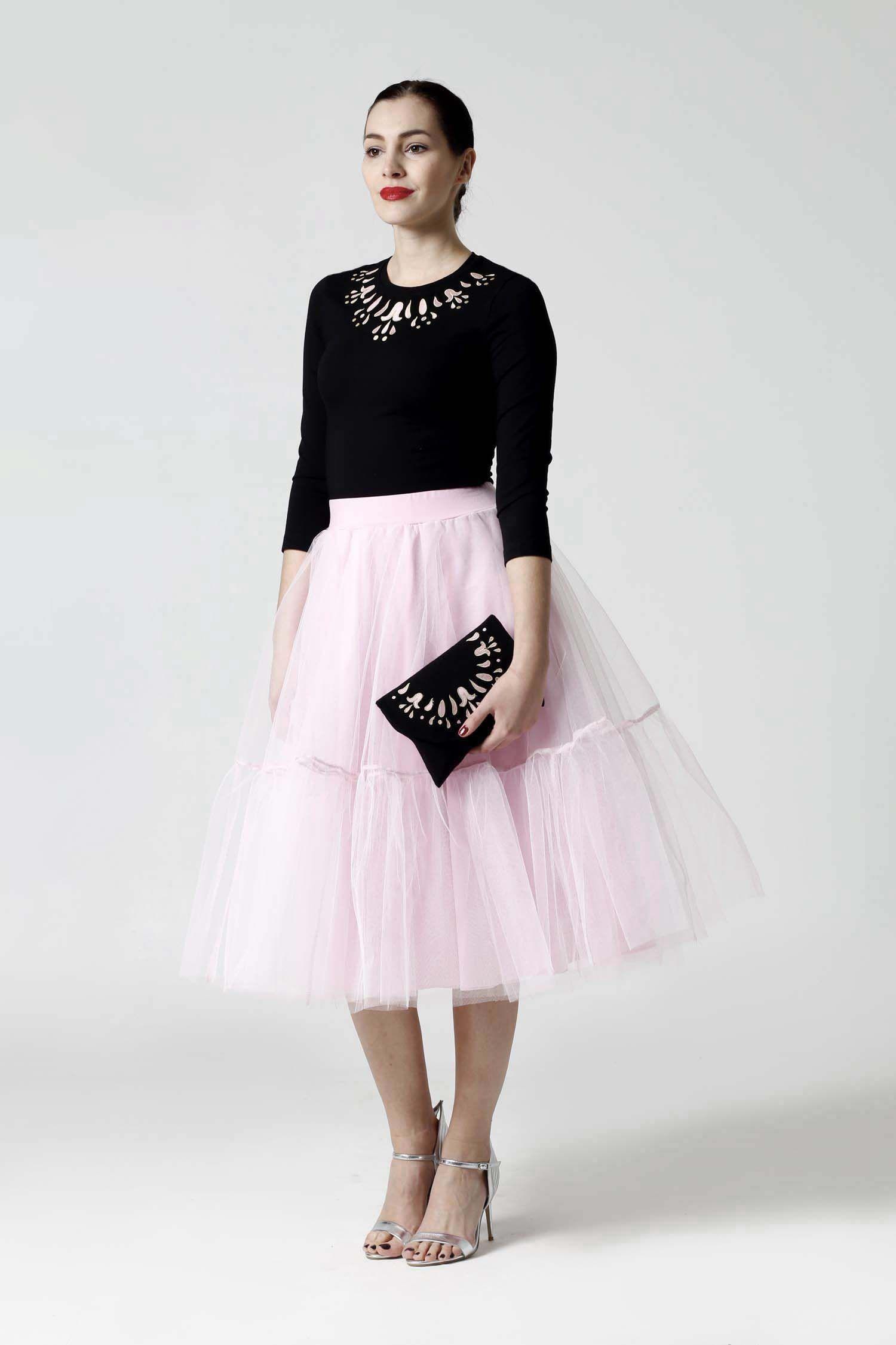 Tylová sukňa Midi ružová s volánmi.  58a897e8f7