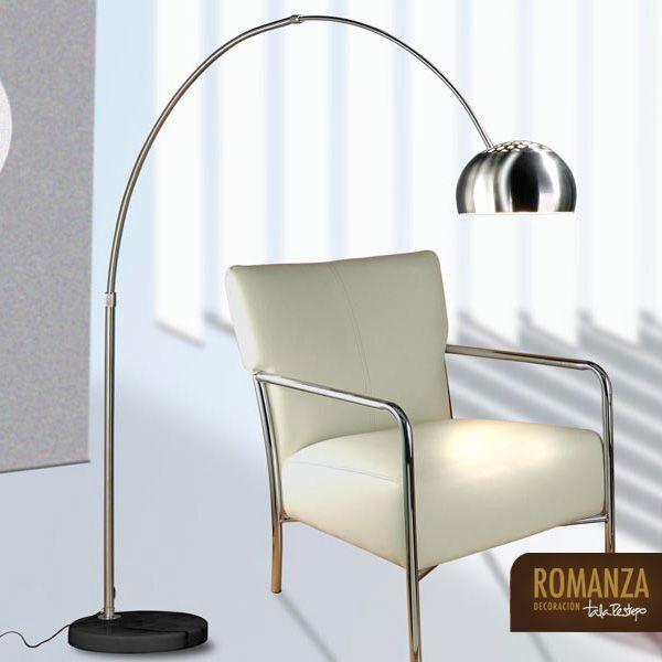 Lámpara de arco. Lampara en acero tipo arco con base en mármol negro, es graduable. Precio de venta: $ 860.000. Ref. 3-110. Descuento del 20% al 50%. Válido desde el 25 de junio al 16 de julio de 2014