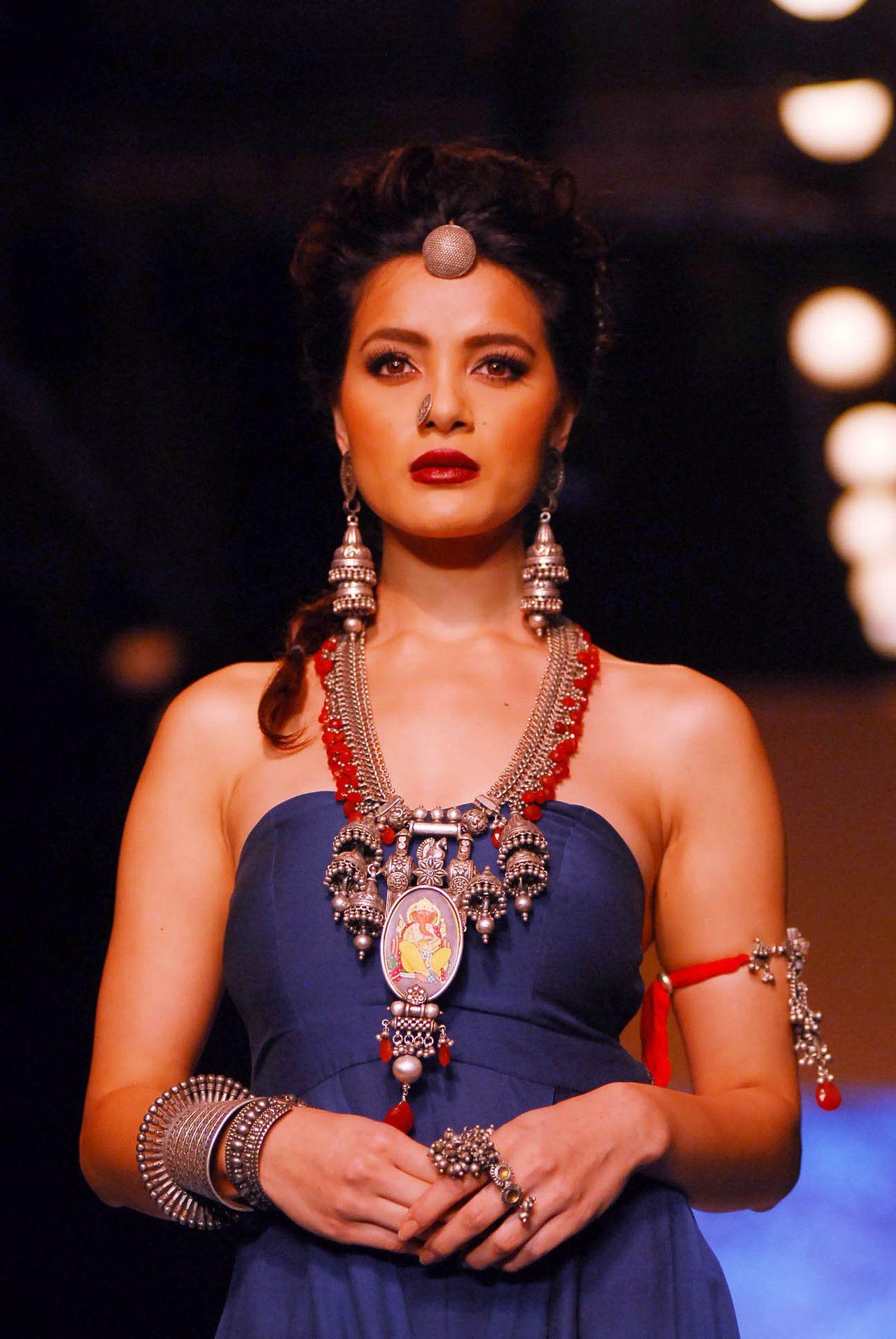Bollywood ishtyle photo bridal makeover beautiful