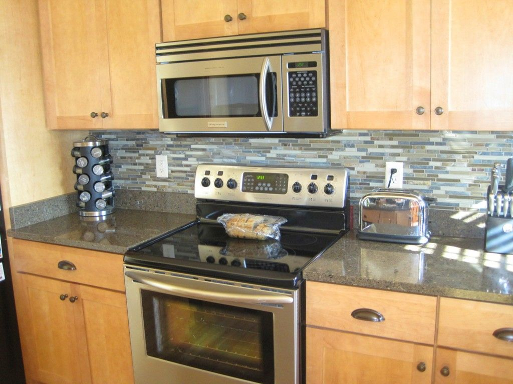 Charming modern diy kitchen backsplash with wooden cabinets best 11 charming modern diy kitchen backsplash with wooden cabinets best 11 diy kitchen backsplash ideas solutioingenieria Choice Image
