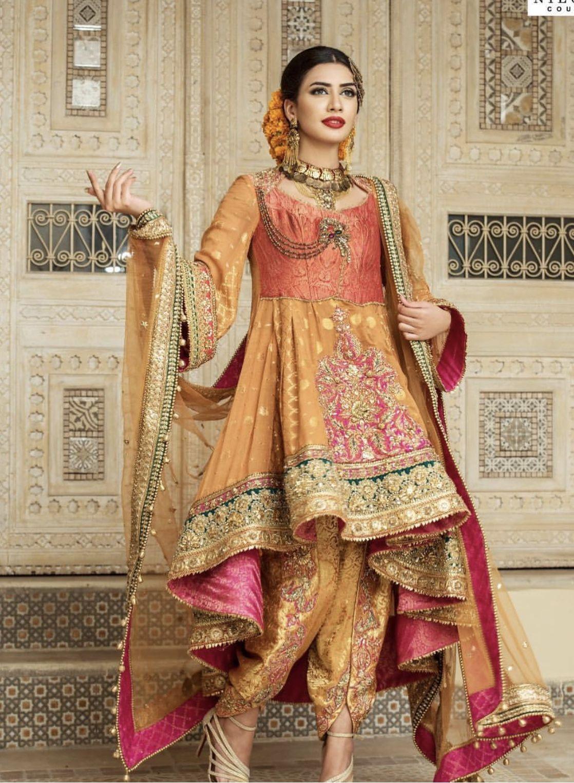 Mehndi | Mehendi in 2019 | Mehndi dress, Bridal mehndi