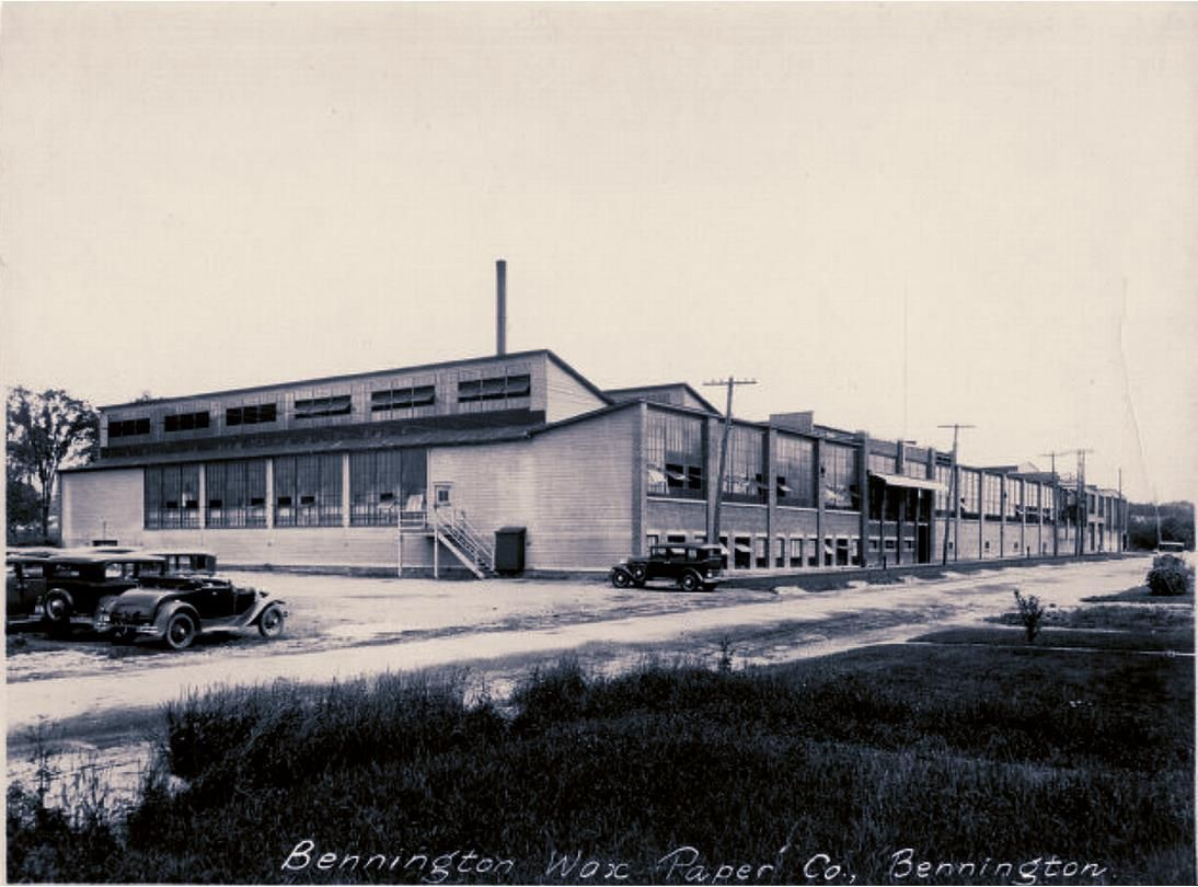 Bennington Wax Paper Co Later Benmont Paper Bennington Vt Famous For Christmas Paper My Mother And Grandmother