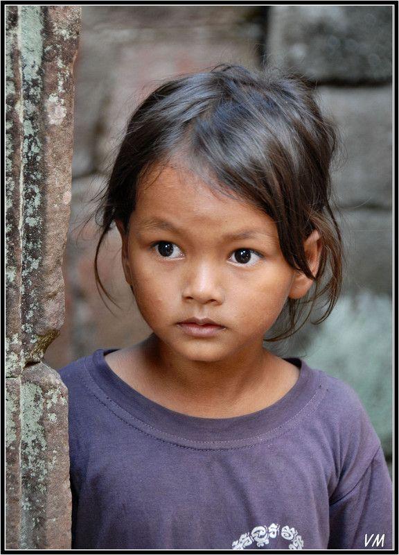0d3589c3e9c6 Visages du monde 31   WE RE THE WORLD   Pinterest   Enfant du monde,  Portrait enfant et Enfant