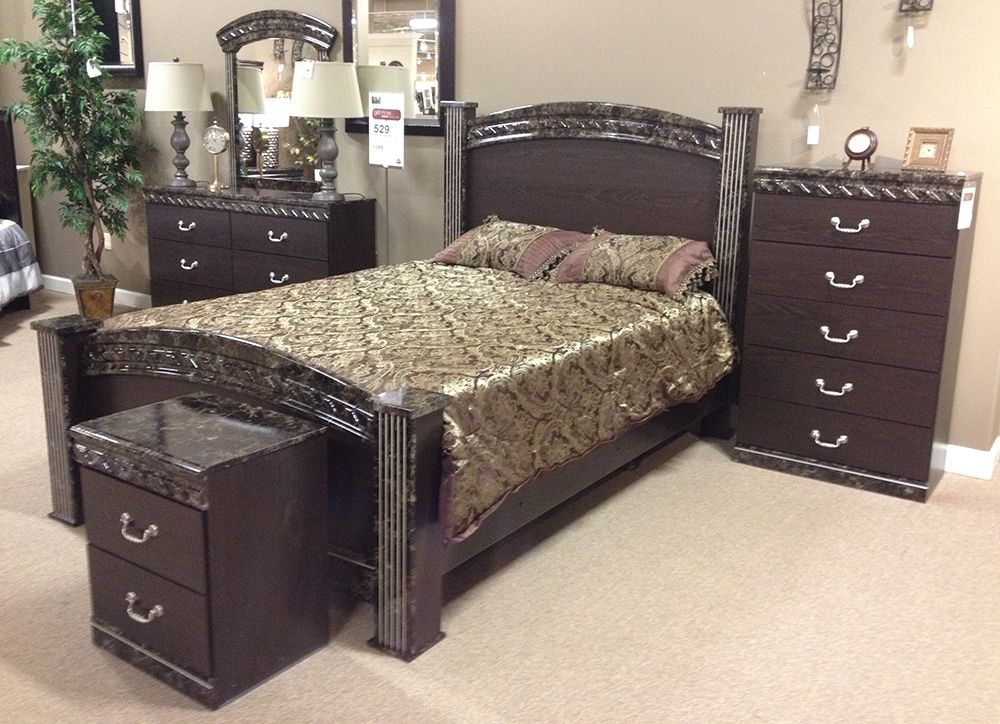 Vachel King Bedroom The rich classic style of the  Vachel  Queen Bedroom Set  features the traditional beauty of faux marble tops and pilasters accented  with. Vachel King Bedroom The rich classic style of the  Vachel  Queen