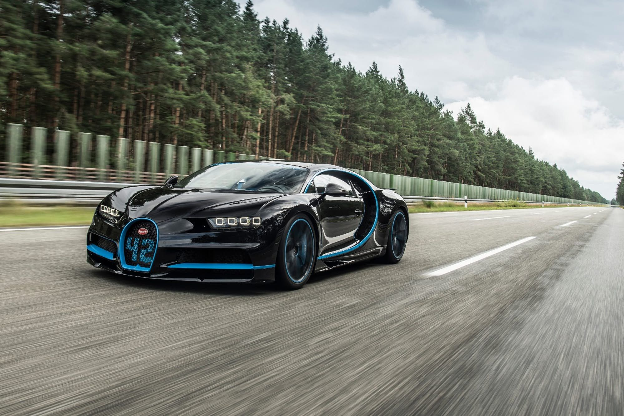 The Chiron hit 400 km/h in just over 30 seconds   Bugatti ...