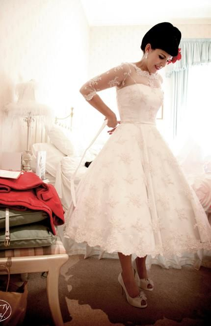 so beautiful! and add the color waste corset to match bridesmaids