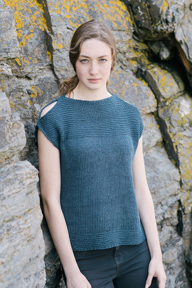 Midnight Tank by Carrie Bostick Hoge / from the Simple Pleasures Linen collection by Madder Made / in Quince & Co. Kestrel, color Pebble