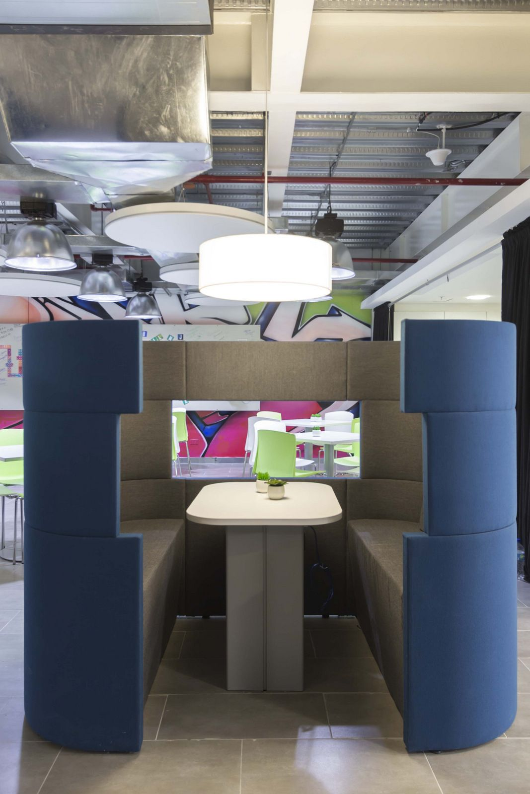 Telecommunication Room Design: Office Tour: Telefonica Offices – Guayaquil