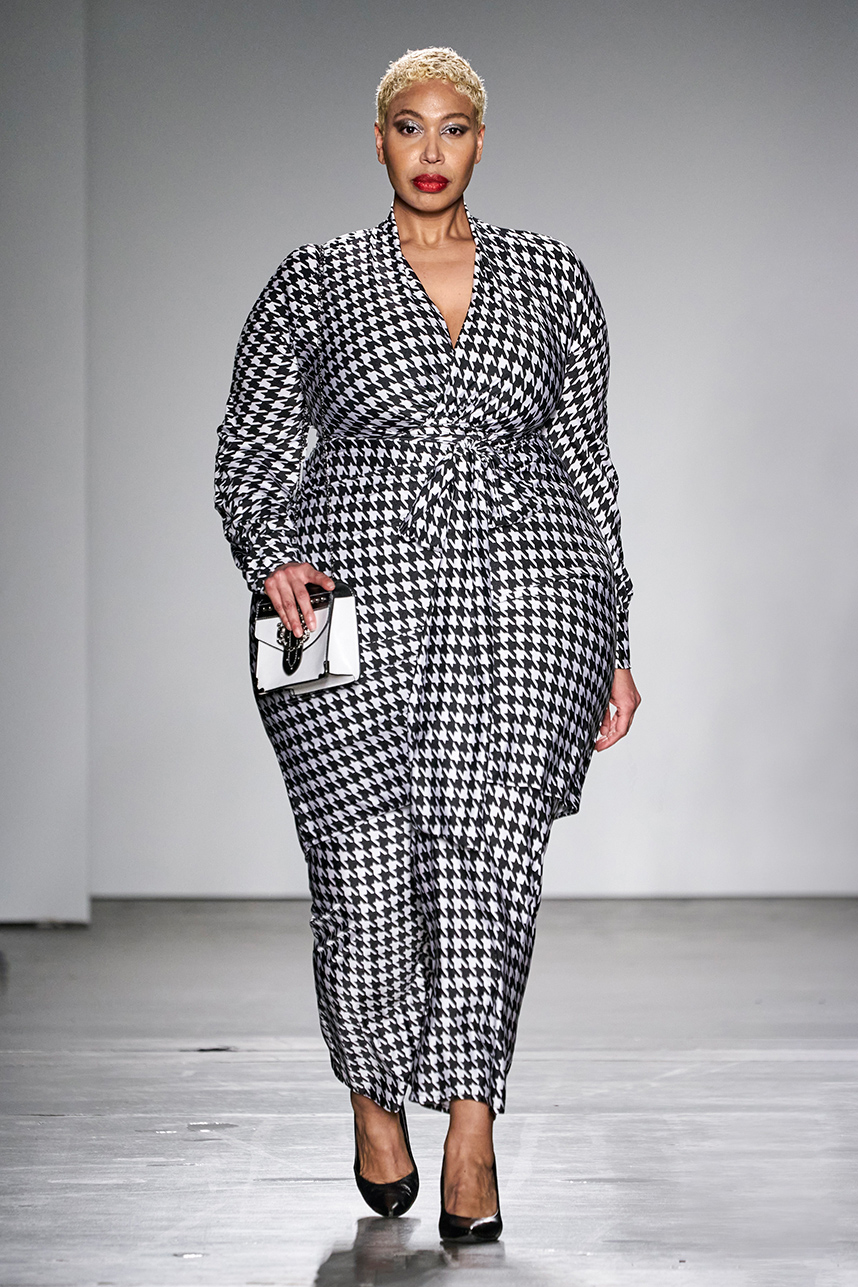 Plus Size Designer Rene Tyler Stole The Show At New York Fashion Week In 2020 Plus Size Business Attire New York Fashion Week Plus Size Designers