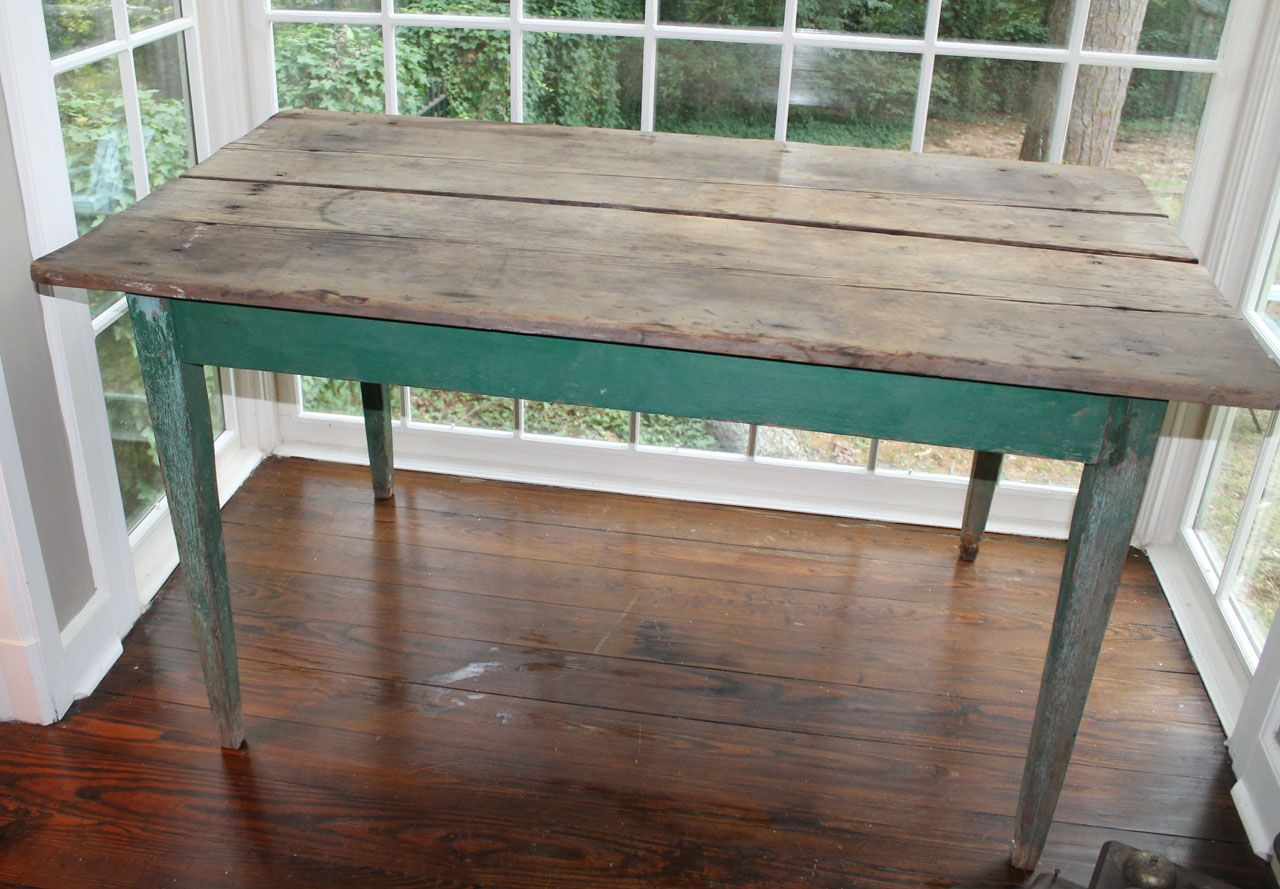 Gorgeous Rustic Farm Table With Itu0027s Wood Top And Green Legs It Is Perfect  For A Vintage Rustic Wedding!