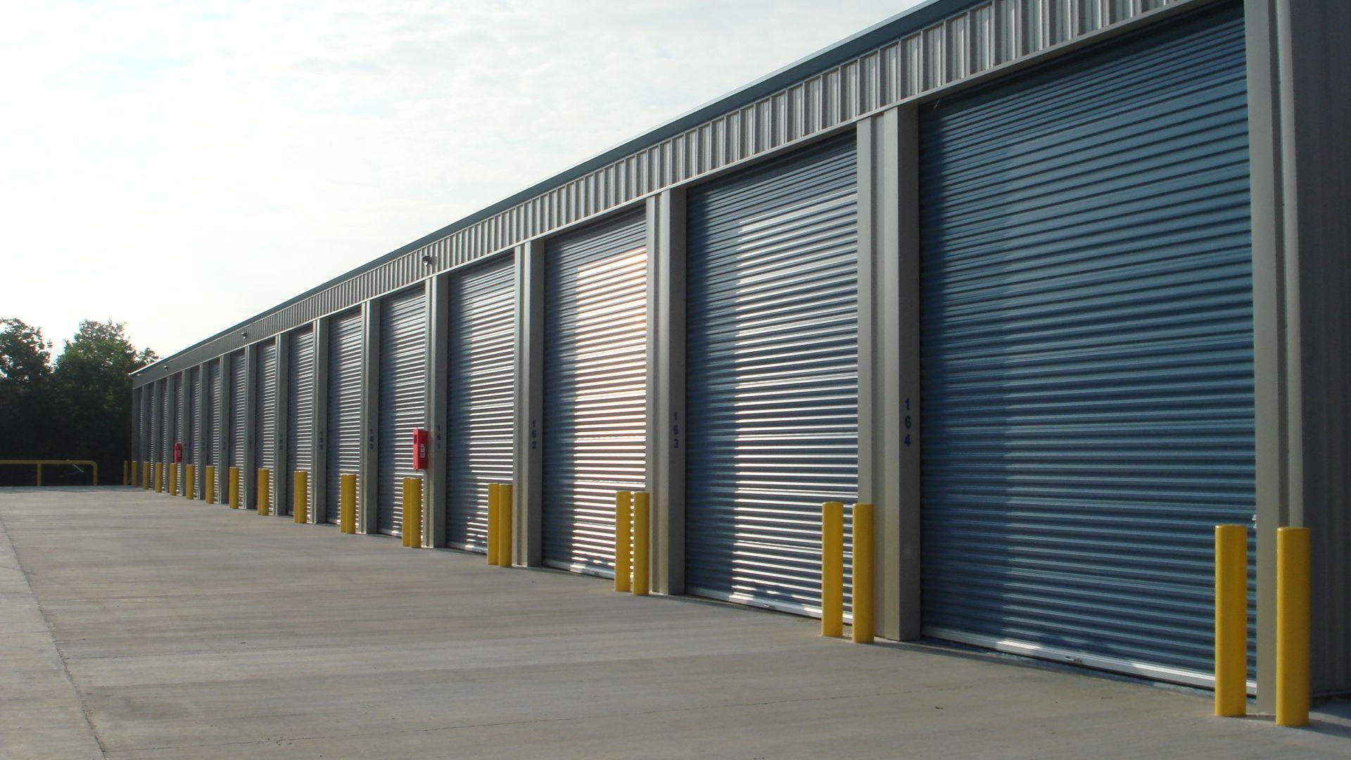 Selfstoragecasagrande Business Provides A Several Kinds Of Storage Units Of Sizes To Commercial And Residential T Self Storage Self Storage Units Storage Unit