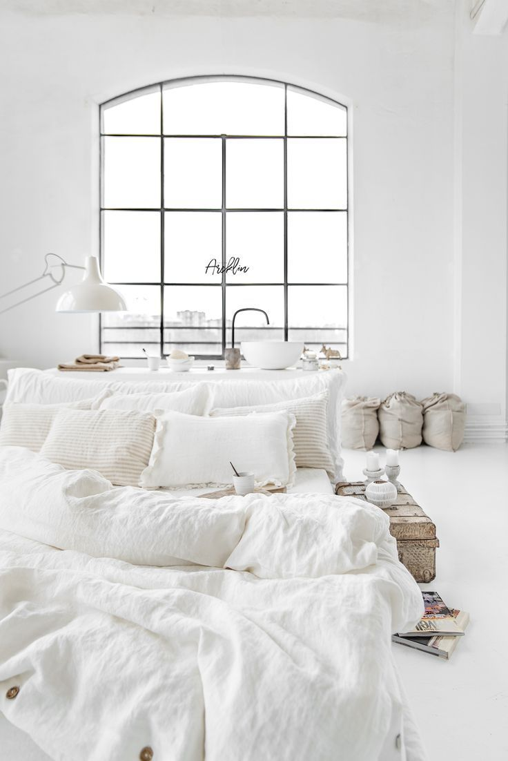 Best White And Minimal Home Decor Style Minimalist All White Bedroom Home Decor Home Decor Bedroom 640 x 480