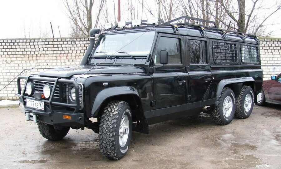 Land Rover Defender 6x6 I Suspect This Isn T Factory Original Land Rover Defender Land Rover Expedition Truck