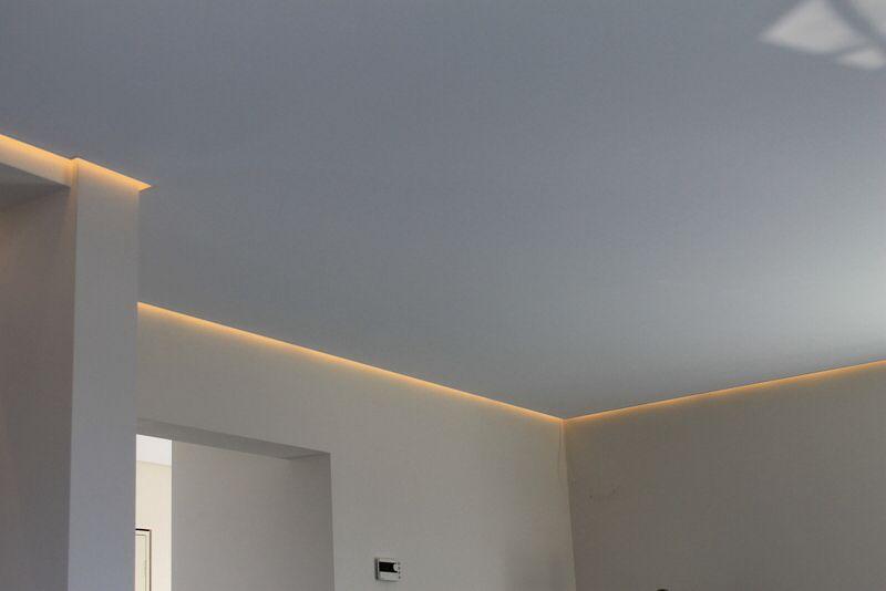 Zwevend plafond met ledstrip als sfeerverlichting lighting