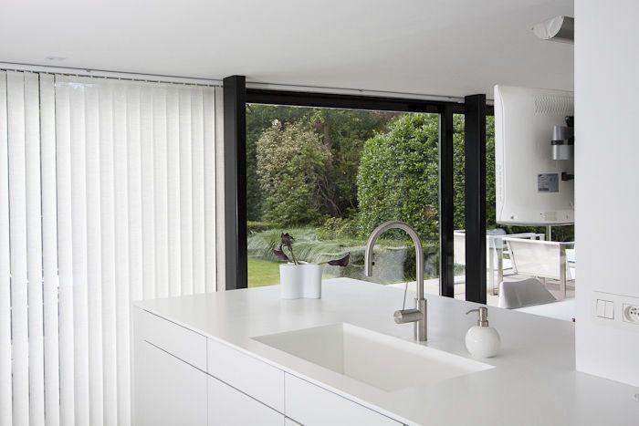 Contemporary kitchen / Solid Surface APART KEUKENS HI-MACS®