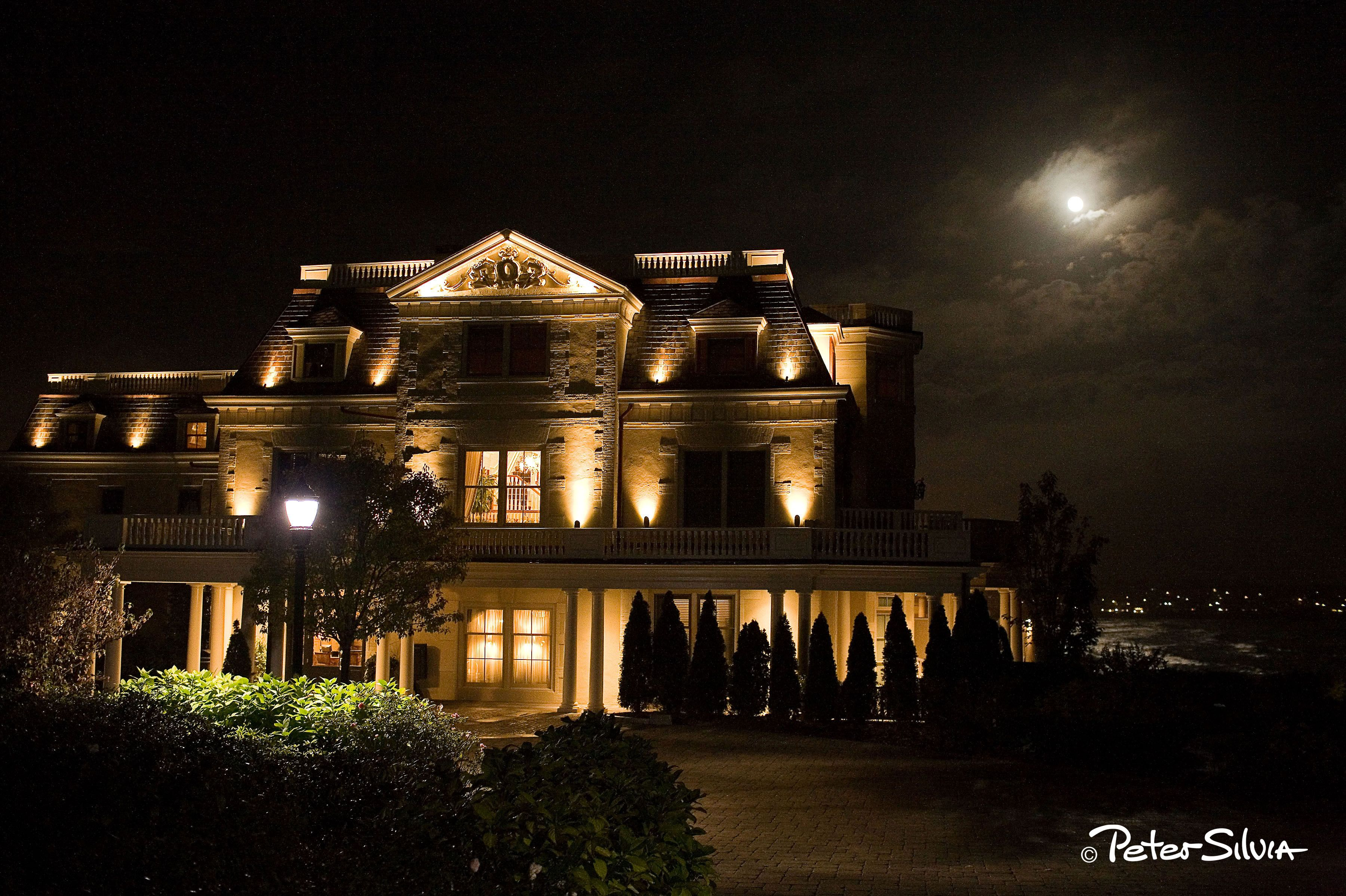 The Chanler At Cliff Walk Even Looks Beautiful After Sunset Newport Ri Wedding Newport Ri House Styles