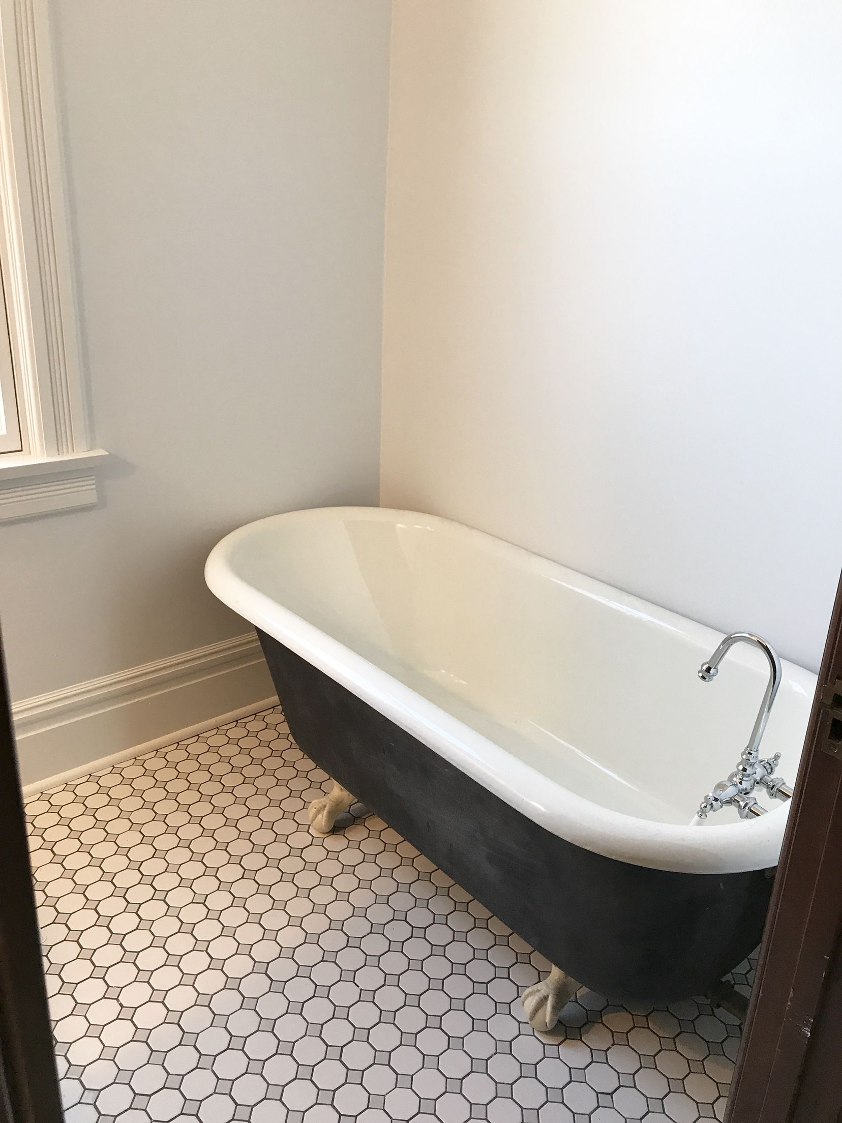 Black And White Claw Foot Tub Clawfoot Tub Clawfoot White Tiles