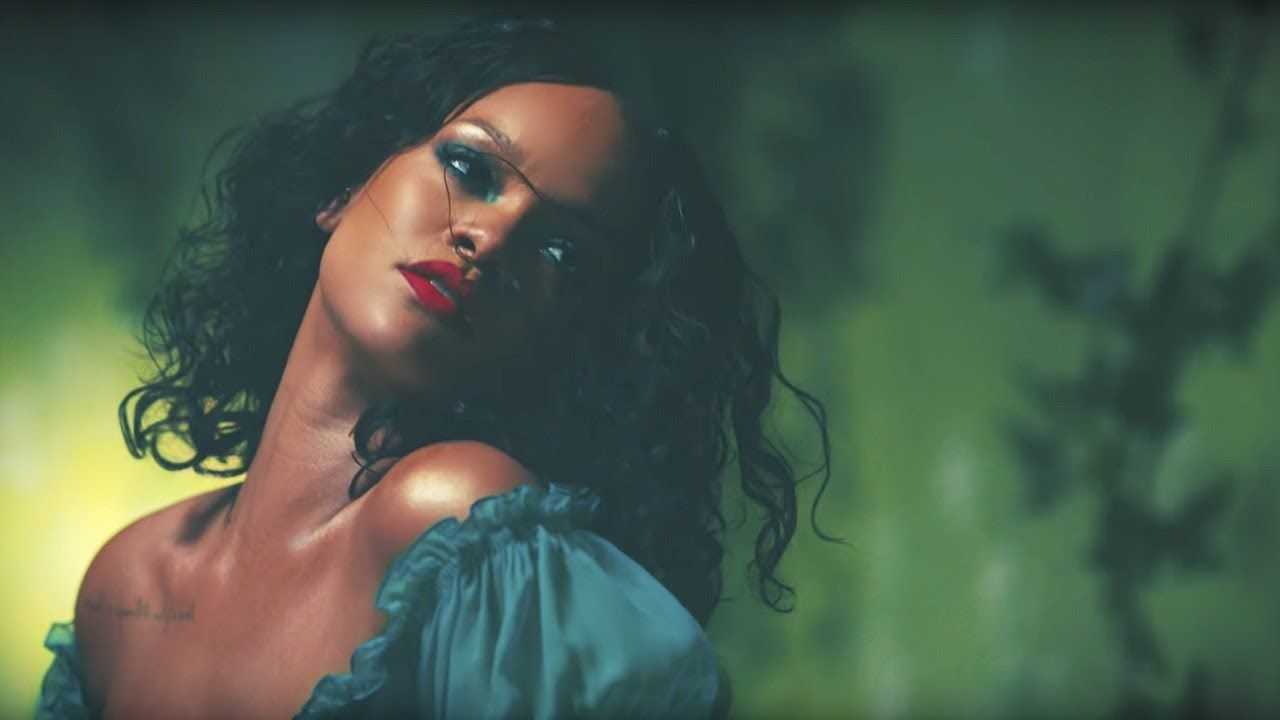 Watch Rihanna turns goth now vid video