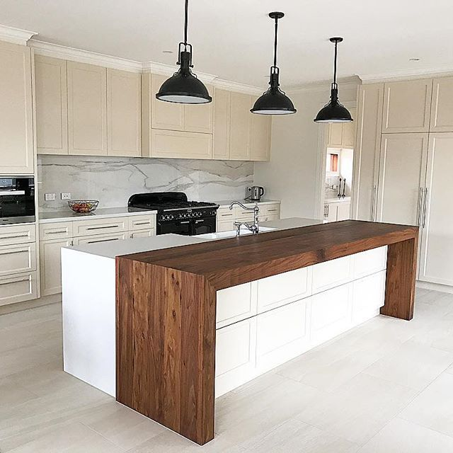 Traditional Kitchen Completed In On The Mornington