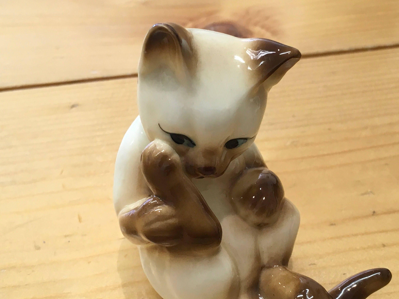 Pair of Vintage Siamese Cat Figurines Cute Kitsch Bone