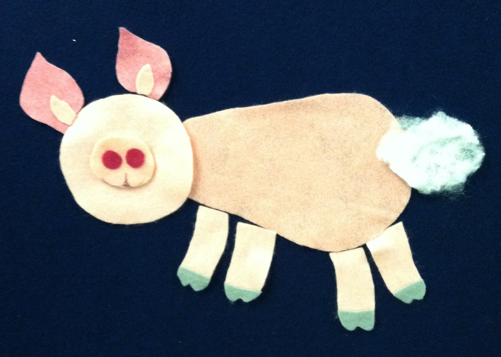 Make-a-Pig Flannel- lesson on a language rich activity as the kids have to describe how to fix the pig.