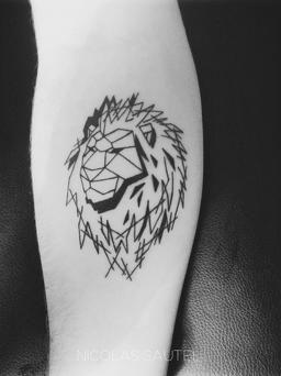 Minimal tattoo nicolassautel tatouages dessin for Dessin minimaliste