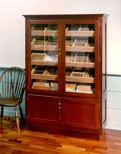 les 25 meilleures id es de la cat gorie cigar humidor cabinet sur pinterest cave cigares. Black Bedroom Furniture Sets. Home Design Ideas