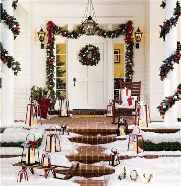 Outdoor Christmas decorations- garland around porch columns ...