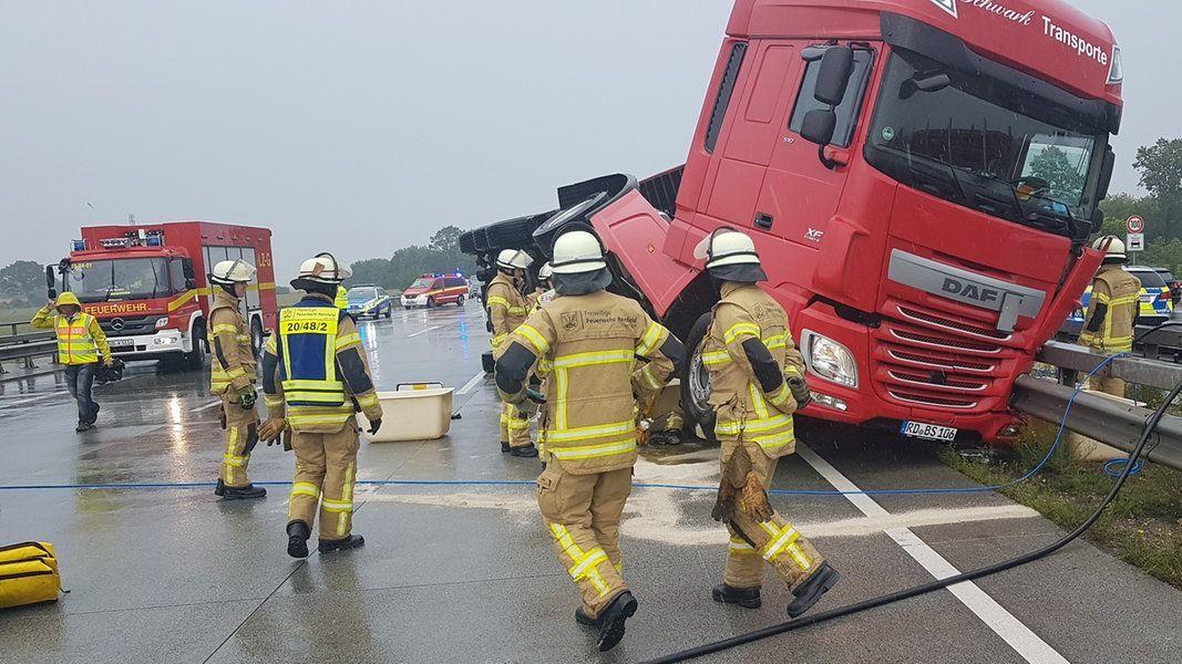 A1 Vollsperrung Nach Lkw Unfall Aufgehoben Lkw Unfall Und Bad