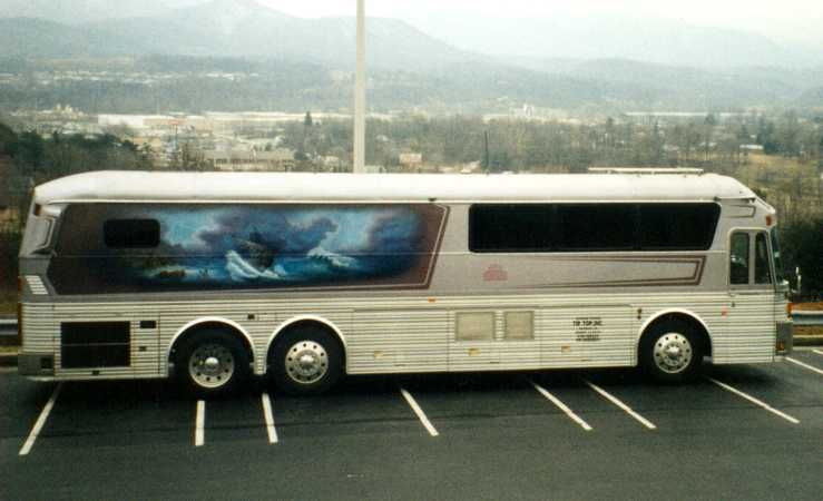 Aaron Tippin Tour Buses With Images Bus Tours Country Music