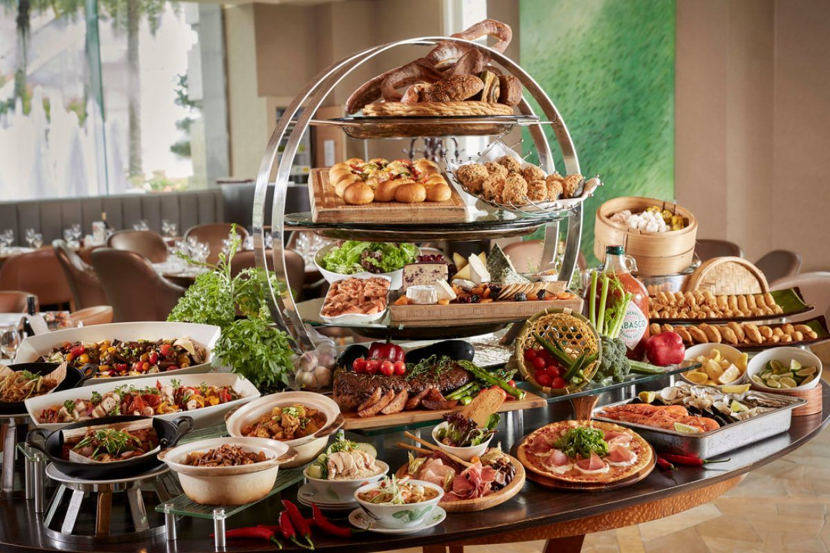 Singapore S 10 Best Sunday Champagne Brunches Champagne Brunch Brunch Buffet Table Settings
