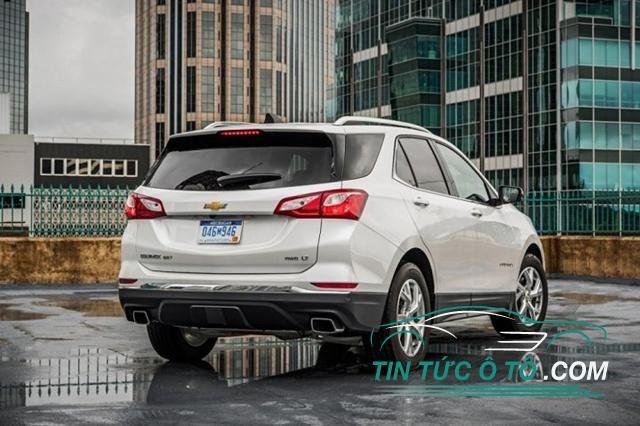 Chevrolet Equinox Diesel 2018 hoàn toàn mới có giá từ 712 triệu đồng.