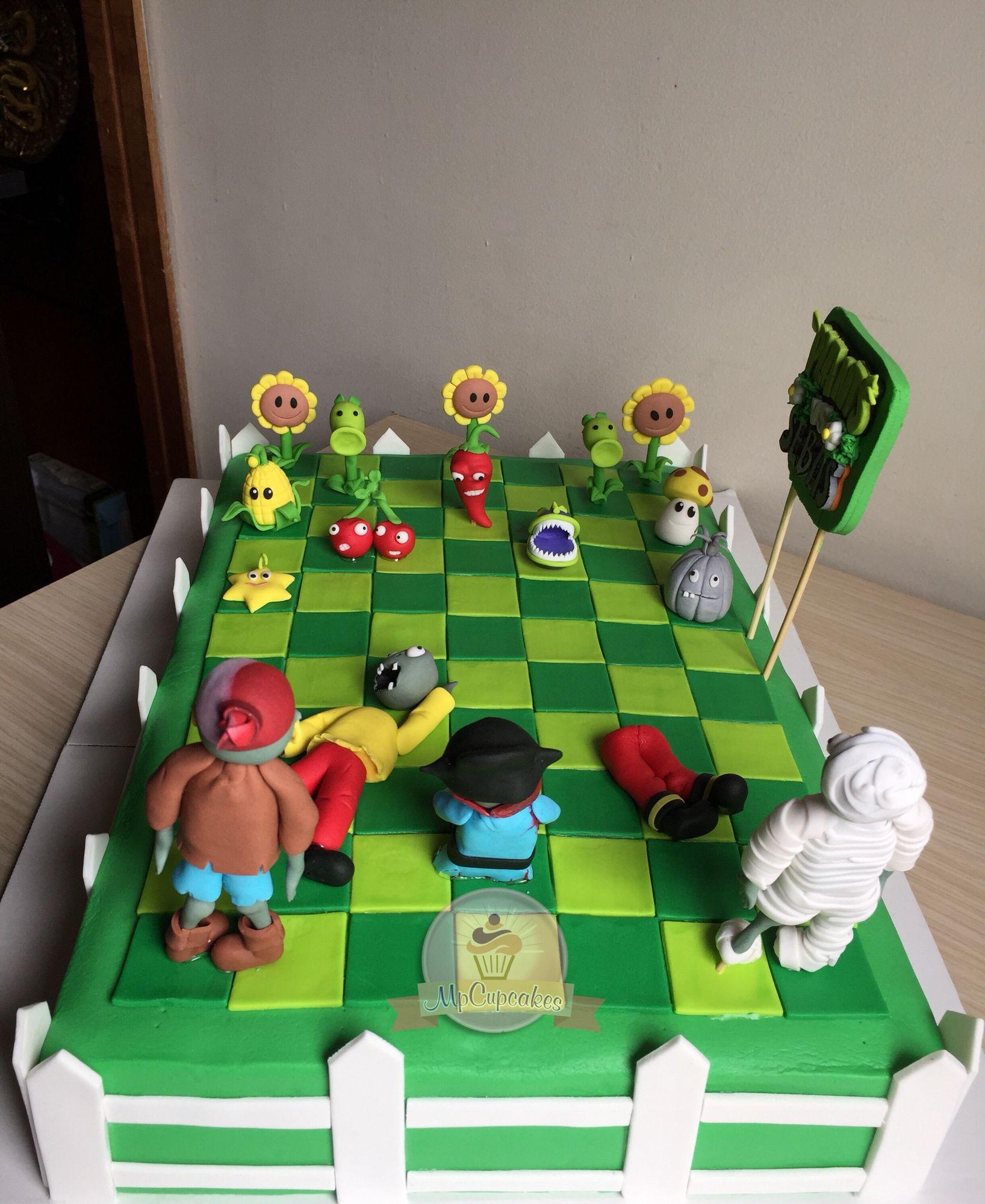 Torta plantas vs zombies cupcakes y tortas dibujos for Cuartos decorados de plants vs zombies