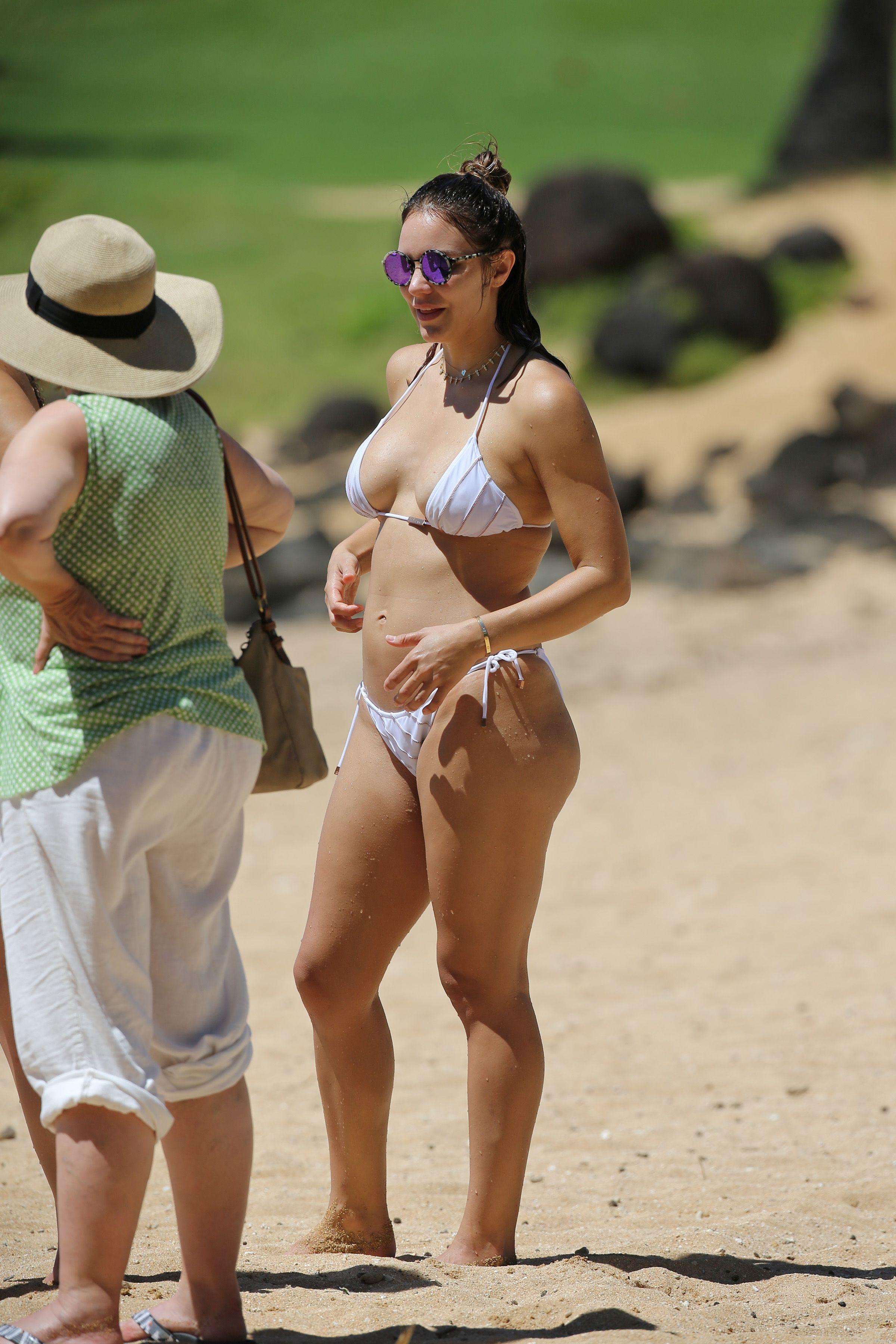 Katharine mcphee in swimsuit in hawaii new photo