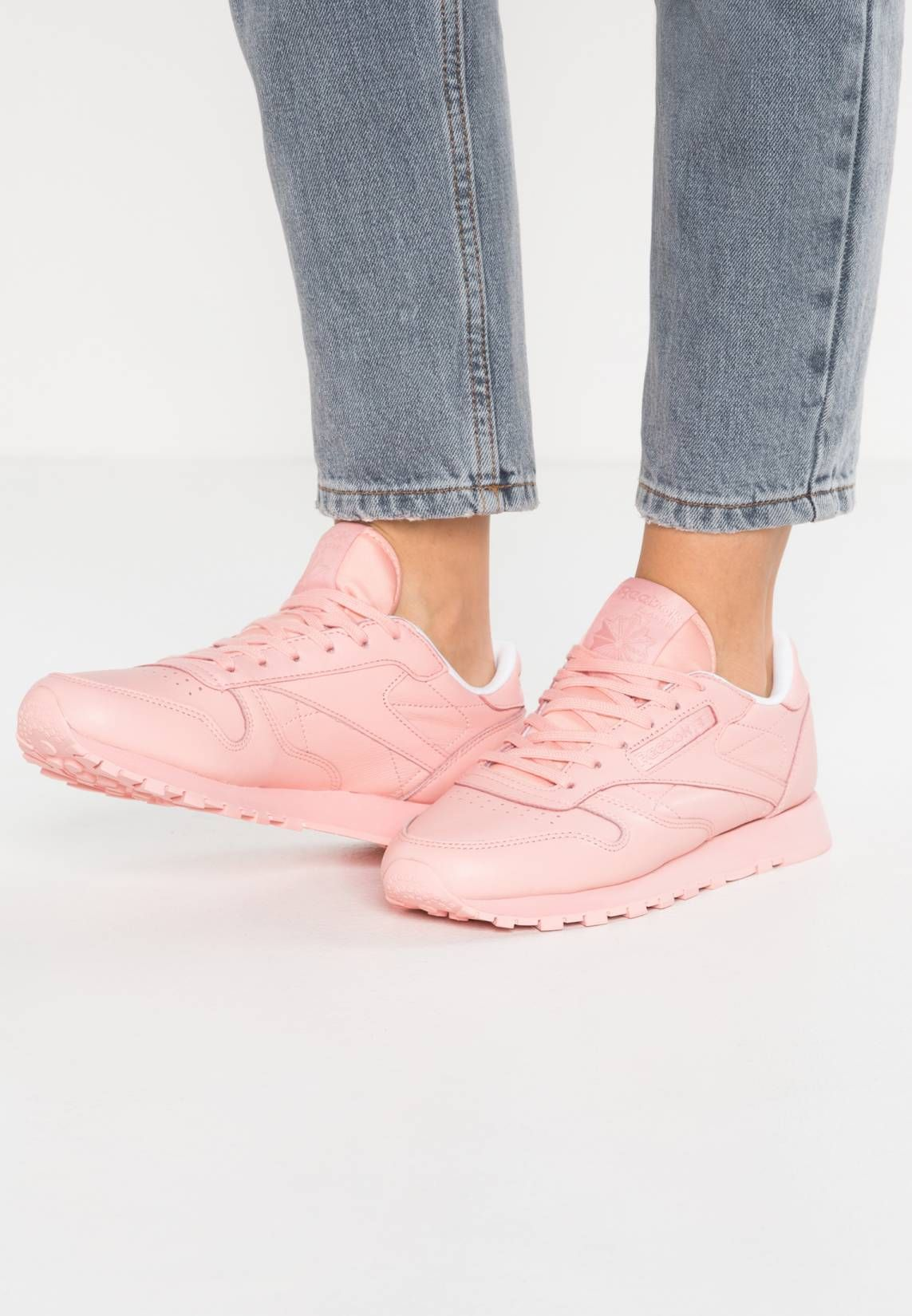 buy online b12e8 d4770 Reebok Classic. CL LEATHER PASTELS - Zapatillas - patina pink white. Suela