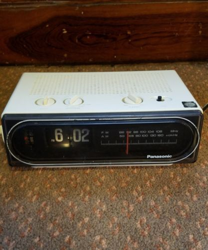 PANASONIC-FLIP-CLOCK-RADIO-FULLY-WORKING-RC-6010-ALARM-BACK-TO-THE-FUTURE-WHITE