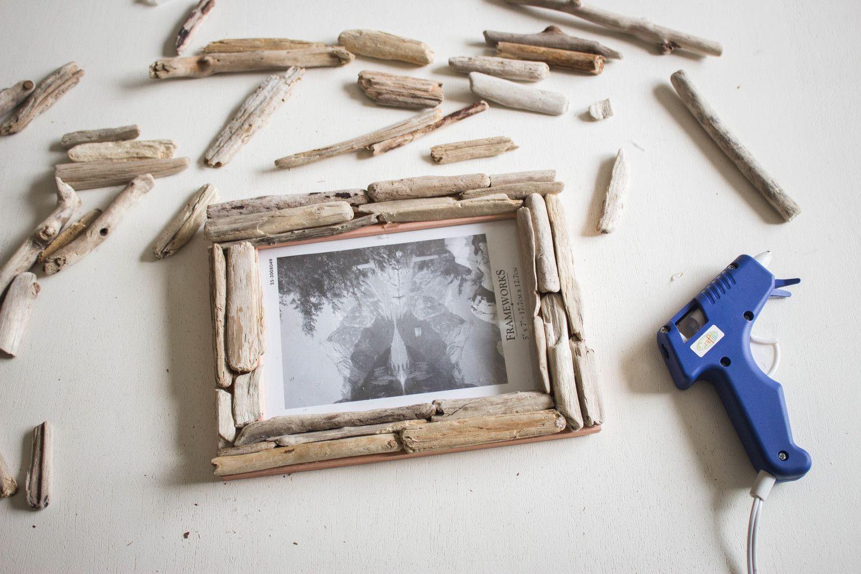 Diy Driftwood Picture Frame Diy Frame Picture Frames Diy