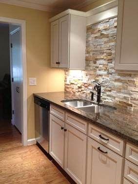 Cabin Kitchen Backsplash And White Cabinets Sugarshack Retreat In