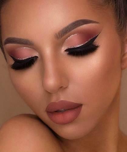روج كشمير غامق و فاتح و مات انواع و اسعار الروج الانيق و الجذاب Makeup Designs Pinterest Makeup Eye Makeup