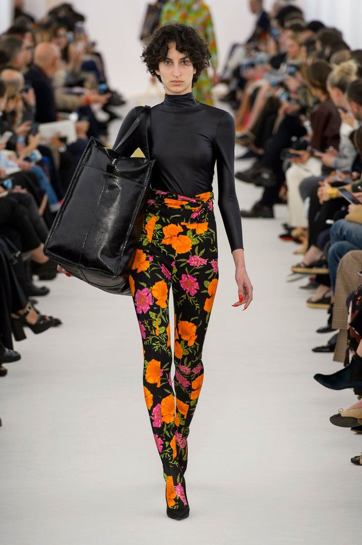 Pizza Estación Preciso  Once You Set Eyes on Balenciaga's Spandex Boot Pants, You Can't Look Away |  Balenciaga spring, Fashion, Paris fashion week