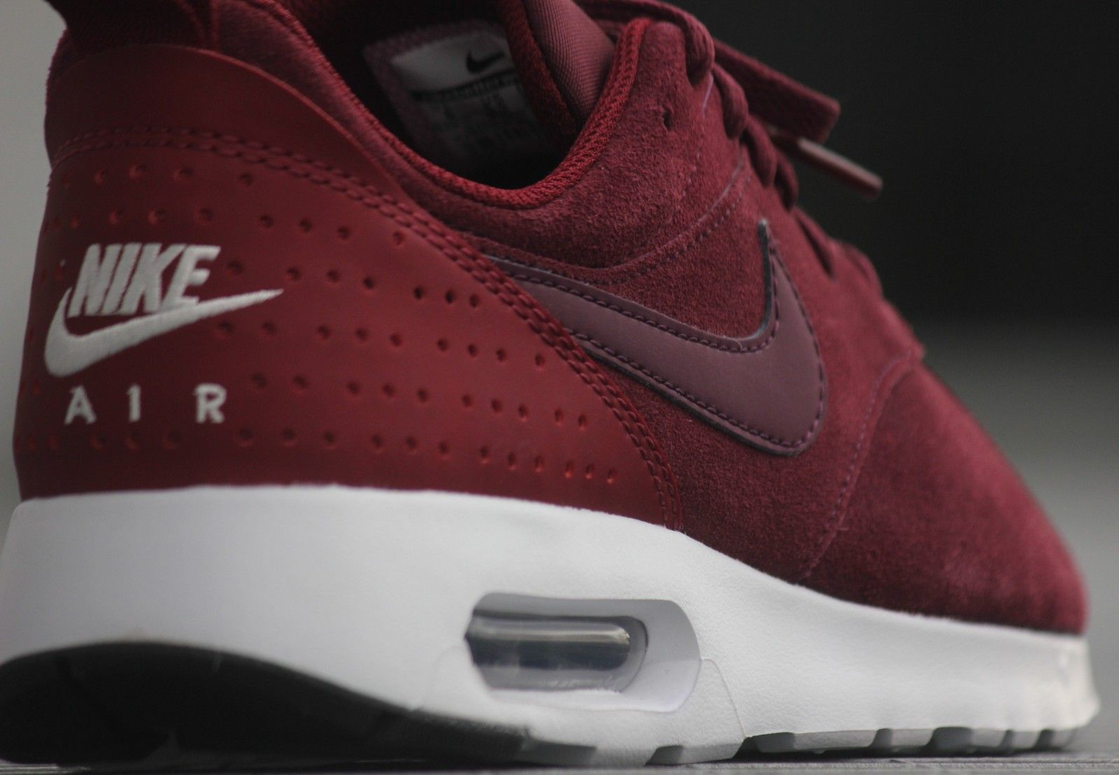 Details about Nike Air Max Tavas LTR Night MaroonNight Maroon Team Red Sail US10 DEADSTOCK
