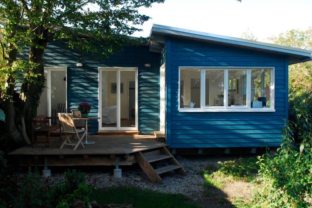 schau dir dieses gro artige inserat bei airbnb an ferienhaus mit garten in middelhagen auf. Black Bedroom Furniture Sets. Home Design Ideas