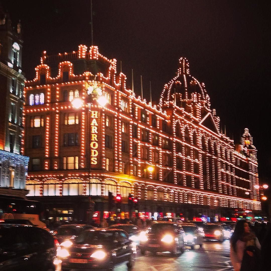Having an evening trip to #Harrods #ISAabroad #ISAEurope #DiscoverLondon #London #Knightsbridge #Shopping by london_cultural