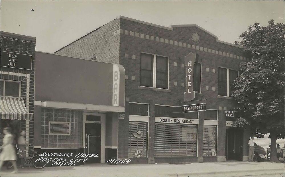 Ne Rogers City Mi Rppc 1940s The Brooks Hotel Bar Restaurant Bus Stop